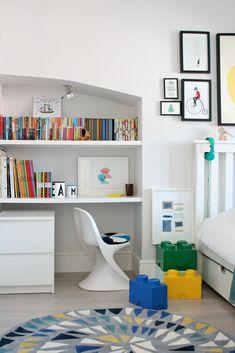 Small kids bedroom ideas with study table 00004 Kids Workspace, Playroom Design, Playroom Ideas, Desk Areas, Kids Bedroom, Bedroom Ideas, Kids Rooms, Nursery Ideas, Kid Spaces