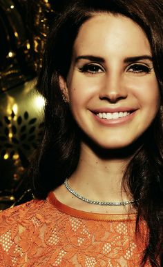 """""""Bound up the stairs, I'm in the shower..."""" #LDR Lana del Rey"""