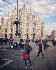 Мιℓαиσ иєℓ υσяє #duomo #milano #milan #moment #ricordi #like4like #like #likeforfollow #likeforlikes #like4follower #instangram #instanlove #vacanze #me #people #socialmedia #socialmediamarketing #milanodavedere #milano_forever by mariagrazia_real