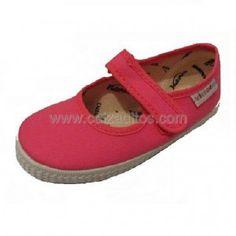 Zapatos para niña con suela antideslizante.    ENVIO GRATIS.