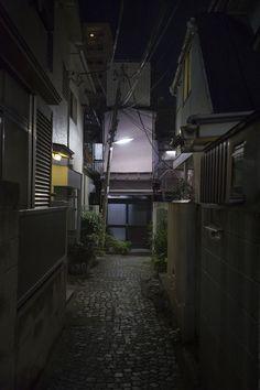 kagurazaka backstreets / tokyobling.wordpress.com