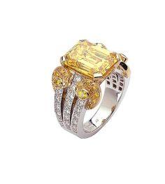 Van Cleef & Arpels - Arabesque ring
