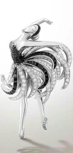 Rosamaria G Frangini | My Black Jewellery | Van Cleef and Arpels brooch