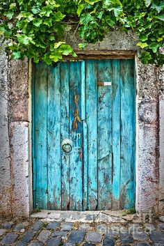 Old blue door in a small street of Bodrum, Turkey. Travel photography by Delphimages. Background Wallpaper For Photoshop, Iphone Background Images, Light Background Images, Background For Photography, Photo Backgrounds, Cool Doors, The Doors, Unique Doors, Windows And Doors