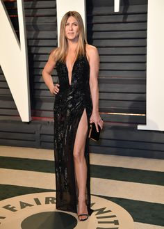 Jennifer Aniston Wore Her Sexiest Dress Yet To The 2017 Oscars