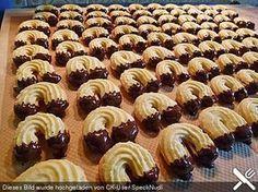 Linzer Kipferl, ein gutes Rezept aus der Kategorie Kekse & Plätzchen. Bewertungen: 24. Durchschnitt: Ø 4,4.