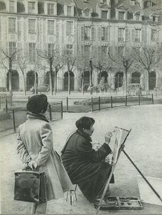 Une photo d'André George, vers 1955. Place des Vosges - Paris 3ème/4ème