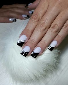 27 pink nails designs to look romantic and girly page 26 Purple Nail Designs, Nail Art Designs, Fancy Nails, Pink Nails, Nail Manicure, Toe Nails, Art Deco Nails, Nail Art Stencils, Mickey Nails