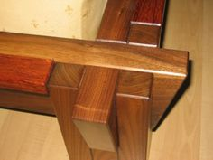 Joinery on Tatami Style Bed - Reader's Gallery - Fine Woodworking Youtube Woodworking, Woodworking Hand Tools, Woodworking Plans, Woodworking Projects, Tatami Cama, Tatami Bed, Furniture Projects, Wood Projects, Waterbed Frame