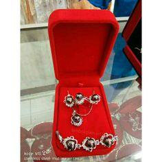 Set perhiasan mutiara air tawar asli lombok (For sale)  Lombokglam.art@gmail.com