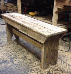 Look this awesome Garden bench Cinder Blocks Ideas 4267970745 Barn Wood, Wood Bench Outdoor, Scrap Wood Projects, Handmade Furniture, Diy Bench, Wood Bench, Wood Pallet Crafts, Home Decor, Diy Furniture Building