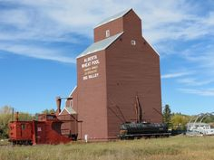 The picturesque village of Big Valley Alberta is rich in history – railway history in particular. There is a beautifully restored train station, remains. Ho Scale Buildings, Old Buildings, O Canada, Alberta Canada, Grain Storage, Grain Silo, Round House, Old Barns, Our World