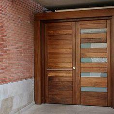 Entry Gates, Entrance Doors, Home Door Design, Window Grill, Modern Front Door, Main Door, Dream Decor, Wood Doors, My Dream Home
