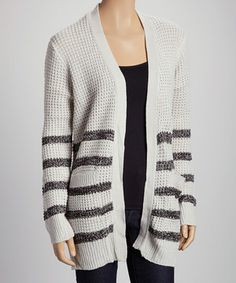 This contemporary classic is sure to make its way into a style-savvy woman's wardrobe. Lightweight fabric and an open silhouette make this cardigan a perfect pick in any season.