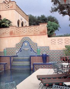 Spanish tiled fountain/ waterfall at end of pool. Spanish Style Homes, Spanish Revival, Spanish Colonial, Hacienda Homes, Hacienda Style, Pool Fountain, Waterfall Fountain, Roof Plants, Spanish Courtyard