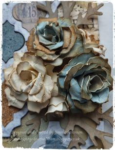 Live The Dream: Tattered Pine Cone Flowers Paper Flowers Diy, Handmade Flowers, Flower Crafts, Fabric Flowers, Flower Diy, Zipper Flowers, Craft Flowers, Tutorial Rosa, Rose Tutorial