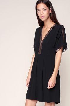 Robe plissée ajourée noire Madeleine - La Petite Française
