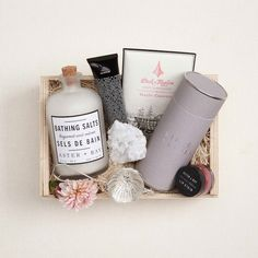 Discover our unique curated gifts, luxury gift boxes and premium gift baskets for her. Our women's gifts include the finest in apothecary, home, custom gift boxes, curated gift baskets and more. Bridesmaid Gift Boxes, Wedding Gift Boxes, Wedding Gifts, Gift Boxes For Women, Gift Box Design, Curated Gift Boxes, Christmas Mom, Christmas Crafts, Gifts For New Moms