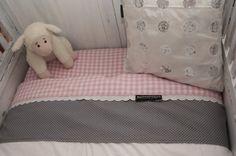 Romantische lakentjes en dekbedovertrekjes! Voor meer inspiratie & ideeën, zie de site van: Met Landelijk Label. nl