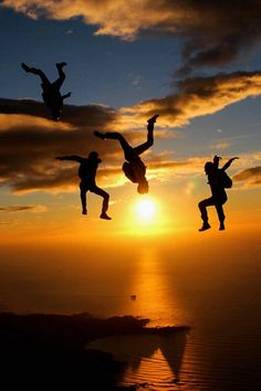 Sun and the sky-divers...