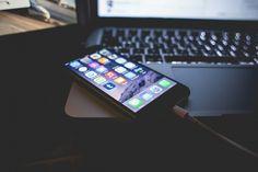 En una publicación anterior os comentaba cómo funcionan los ataques denominados Masque Attack, son ataques que proceden de aplicaciones que suplantan la identidad de aplicaciones reconocidas por iTunes y que al ser instaladas dejan la puerta abierta a los hackers.