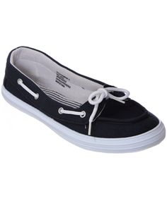 rue21 : SOLID BOAT SHOE