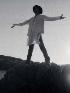 """Free, free like the wind blow To fly away just like a sparrow"" (Free - Michael Jackson) <3"