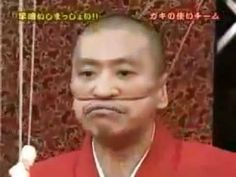 Japanese Marshmallow Game Show. Its in Japanese but just the showmanship is so funny! Marshmallow Games, Marshmallow Challenge, Japanese Game Show, Japanese Games, Fuuny Games, Wedding Reception Games, Challenges Funny, Trending Videos, Laughter