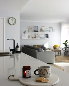 Scandi Style, Scandinavian Style, Stop Eating, Home Interior Design, Floating Shelves, Office Desk, Kitchen, Inspiration, Furniture