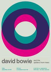 david bowie at cleveland music hall, 1972 Questo poster è molto chiaro e semplice. Utilizza una bella palette colore che rappresenta il cantante e c'è una gerarchia nell'esposizione del testo
