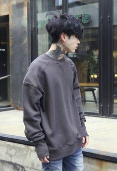 Boy, tattoo, and ulzzang image más korean fashion Tattoo Korean, Tattoo Asian, Asian Boys, Asian Men, Korean Fashion Men, Mens Fashion, Fashion Black, Fashion Fashion, Fashion Ideas