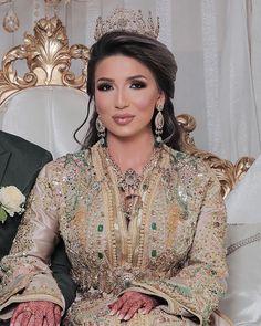 Kaftan Moroccan, Moroccan Bride, Moroccan Style, Joan Smalls, Caftan Dress, Wedding Stage, Pretty Dresses, My Design, Sari