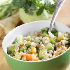 La Ricetta per il Farro alle verdure di stagione, puoi utilizzare le verdure che preferisci. Ricorda che è sempre meglio usare quelle fresche di stagione.