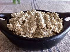 Nut, seed and garlic pate