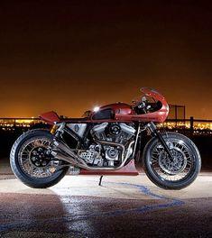 Harley Cafe Racer (via RocketGarage)