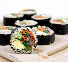 Bulgogi and Vegetable Gimbap. Bulgogi and Vegetable Gimbap: It's one of the most popular Korean casual foods. It's naturally gluten-free dairy-free. Korean Side Dishes, Asian Recipes, Healthy Recipes, Gluten Free Korean Recipes, Sushi, K Food, Carnivore, International Recipes, Korean Casual