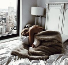 Uploaded by MCLAREN - B Find images and videos about cozy on We Heart It - the app to get lost in what you love. Easy Like Sunday Morning, Lazy Sunday, Saturday Morning, Relax, Chill Pill, Stay In Bed, Foto Pose, Lazy Days, Getting Cozy