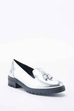 cf7631906914 Die 7 besten Bilder von silberne Schuhe   Slippers, Sneakers und Tennis