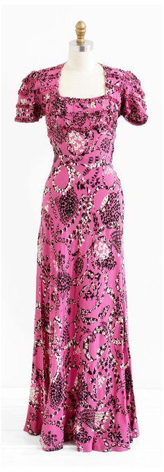 Vestidos Vintage, Vintage Gowns, Mode Vintage, Vintage Outfits, Vintage Clothing, Vintage Wardrobe, Vintage Pink, 1930s Fashion, Timeless Fashion