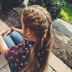 Tturn your double French braid hairdo into cute, girly pigtails. End your braids with hair ties at the corners of your nape and let the rest of your hair flow free. French Braid Hairstyles, Pretty Hairstyles, Girl Hairstyles, Hairstyle Ideas, Ponytail Hairstyles, Pigtail Hairstyle, Girl Haircuts, Cute Sporty Hairstyles, Easy School Hairstyles