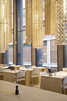 Sandra Tarruella interioristas diseña la última propuesta en Barcelona del Grupo Tragaluz, el restaurante El Japonés @22, en los bajos de edificio Imagina al lado de la Torre Agbar