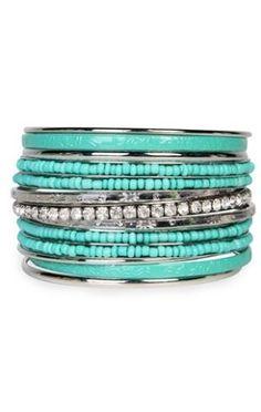 Love turquoise jewelry!