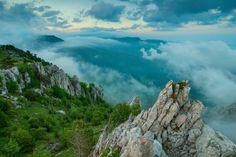 Виталий Башкатов - Восточные склоны Демерджи Mountain Photos, Nature Pictures, Beautiful Landscapes, Fantasy, Mountains, World, Water, Travel, Outdoor