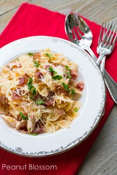 Creamy chicken and black peppered bacon pasta. Believe it or not, this is a perfect dish for those that struggle with lactose intolerance! Totally rich and creamy!