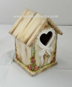 Bird Houses Painted, Decorative Bird Houses, Tole Painting, Painting On Wood, Polymer Clay Ornaments, Decoupage Vintage, Country Paintings, Country Crafts, Handmade Crafts