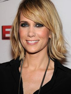Love this haircut! Wish I had the guts to cut mine like this, but for now it doesn't hurt to look.