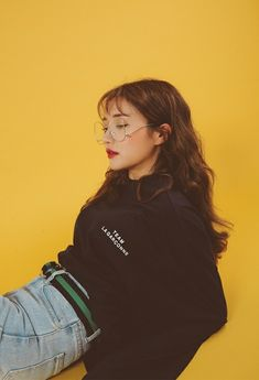 Pin by Leying Tan on Yellow aesthetic Foto Fashion, Korea Fashion, Mode Outfits, Korean Outfits, Ullzang Girls, Fashion Poses, Fashion Outfits, Korean Photoshoot, Mode Streetwear