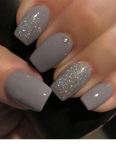 10 Best Grey Nail Polishes Awesome gray nail polish to try Related Perfekte und herausragende Nageldesigns pro den Winter Cute Nail Designs & Looks for 2019 Grey Nail Polish, Gray Nails, Pink Nails, Gray Nail Art, Color Nails, Fall Nail Colors, Nail Black, Zebra Nails, Gel Polish Colors