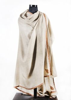 EXCLUSIVE HAND EMBROIDERED SUPER FINE 100 CASHMERE SHAWL FROM INDIA