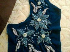 Zardozi Embroidery, Kurti Embroidery Design, Floral Embroidery Patterns, Tambour Embroidery, Hand Embroidery Flowers, Hand Work Embroidery, Couture Embroidery, Embroidery Motifs, Embroidery Fashion